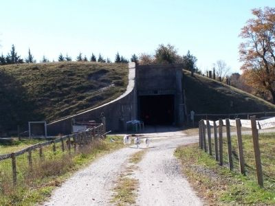 Fort Saulsbury Bunker image. Click for full size.