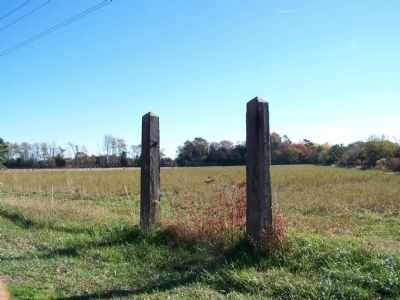 Fort Saulsbury Gate Posts image. Click for full size.