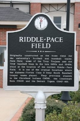 Riddle-Pace Field Marker image. Click for full size.