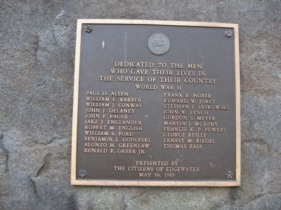 World War II Plaque on Back image. Click for full size.