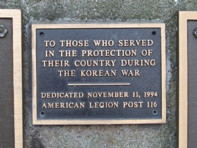 Korean War Plaque on Back image. Click for full size.