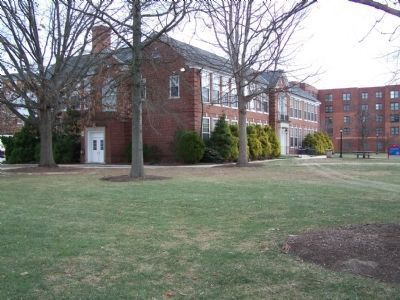 Delaware State University Education Building image. Click for full size.