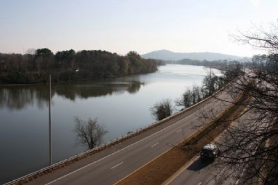 Downstream View of The Coosa River. Gadsden, Alabama image. Click for full size.