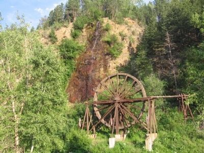 The Waterwheel and Bridal Veil Falls image. Click for full size.