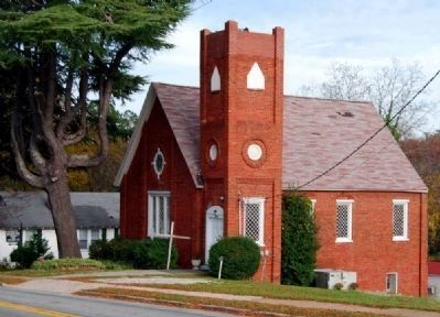 Washington Street Presbyterian Church -<br>Historic Church Located Adjacent to the Pressley Marker image. Click for full size.