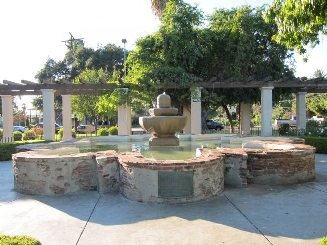 The Fountain today (view from east) image. Click for full size.
