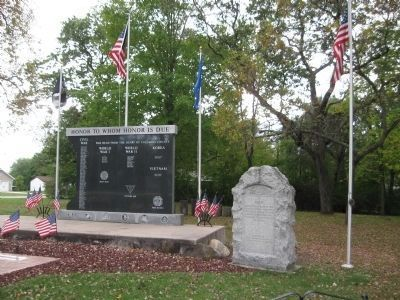 World War I Memorial and Nearby Honor Roll image. Click for full size.