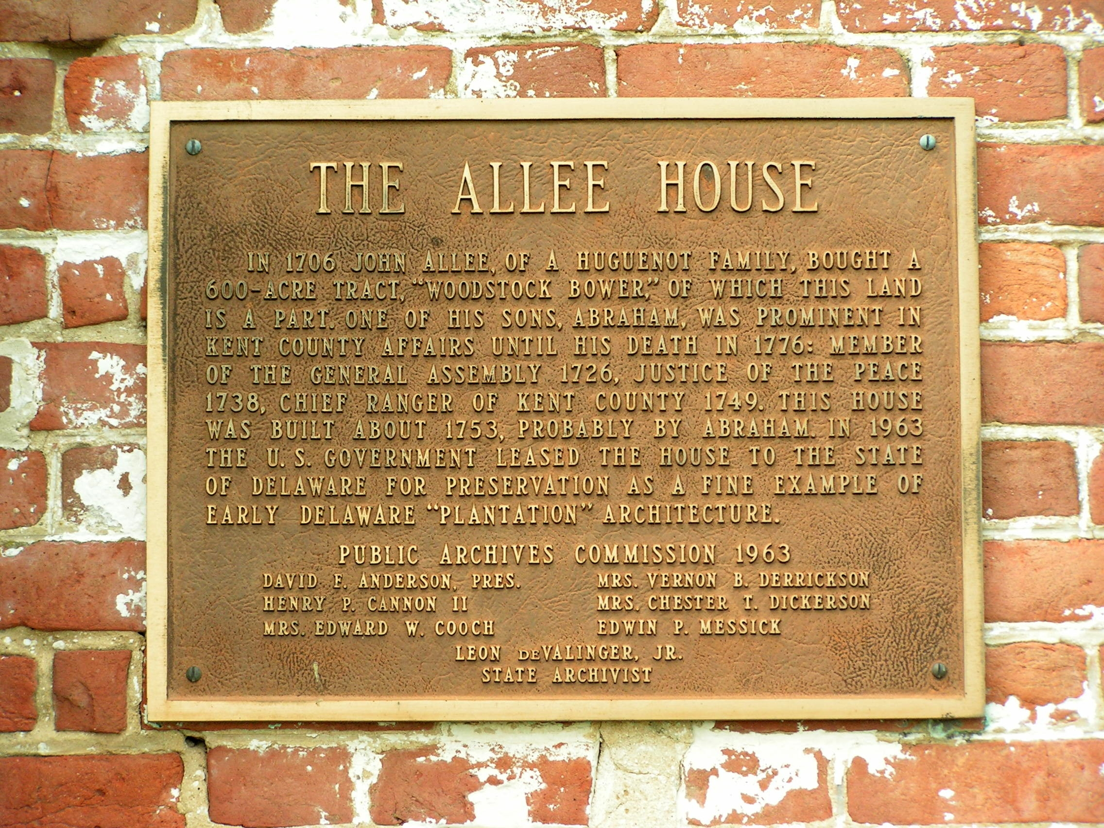 Allee House Marker