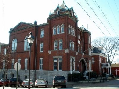 1896 Henrico Courthouse at 22nd & Main in Richmond. image. Click for full size.