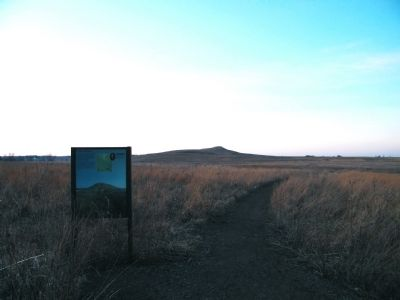 Hiking trail to Spirit Mound image. Click for full size.