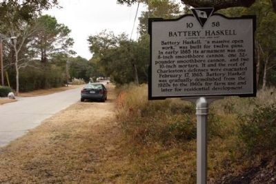 Battery Haskell Marker, looking west on Schooner Drive image. Click for full size.