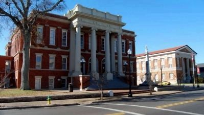 Forrest County Courthouse, Confederate<br>Monument, and Masonic Temple image. Click for full size.
