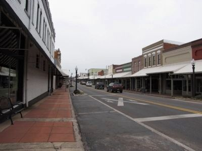 Main Street, Hartselle, Alabama image. Click for full size.