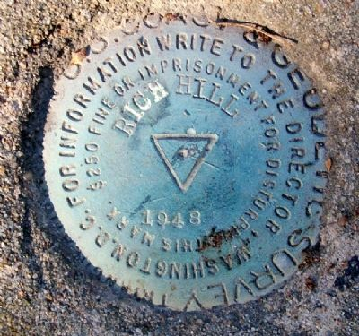 Survey Marker at Location image. Click for full size.