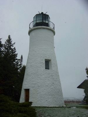 Old Presque Isle Lighthouse image. Click for full size.