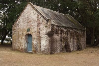 Site of Fort Johnson Marker Powder Magazine image. Click for full size.