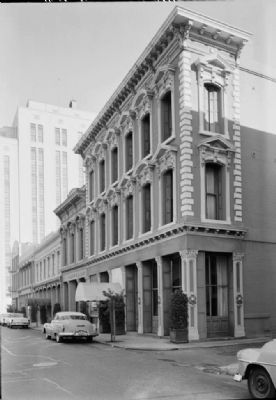 The Hotaling Building in 1960 (photo courtesy of the Historic American Buildings Survey) image. Click for full size.