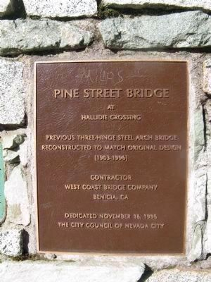 Plaque Mounted at the North End image. Click for full size.