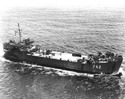 USS <i>&#39;Dunn County&#39;</i> (LST-742) underway during the 1950s. image. Click for full size.