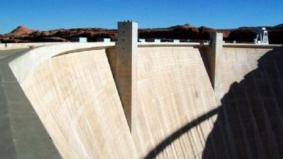 Glen Canyon Dam image. Click for full size.