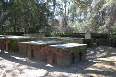 The Alston Family Cemetery at the Oaks Plantation image. Click for full size.