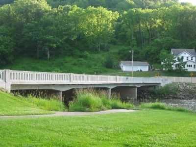 Kickapoo River and Bridge image. Click for full size.