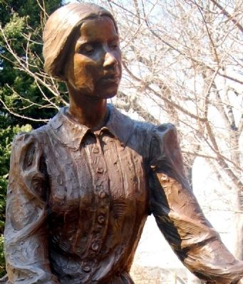 Emily Elizabeth Dickinson Statue image. Click for full size.