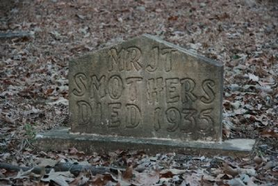 Gravesite of Mr. J. T. Smothers, died 1935 image. Click for full size.
