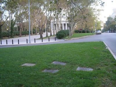 Markers near Grant's Tomb image. Click for full size.