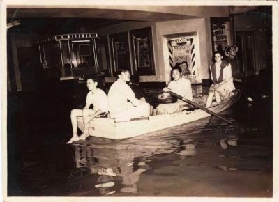 Kapa'a flood of 1941 - Roxy Theater image. Click for full size.