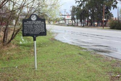Sherman's March To The Sea : Marker, seen along Chatham Parkway, looking north image. Click for full size.