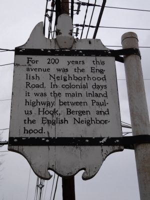 English Neighborhood Road Marker image. Click for full size.