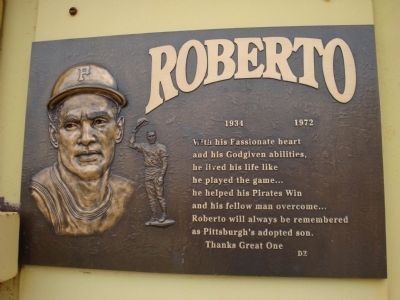 Roberto Clemente plaque image. Click for full size.