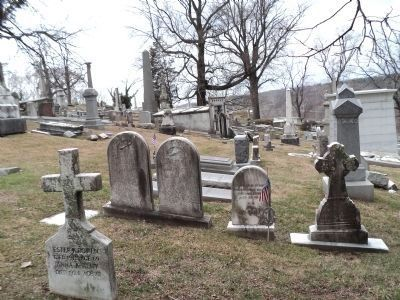 Graves at Laurel Hill Cemetery image. Click for full size.