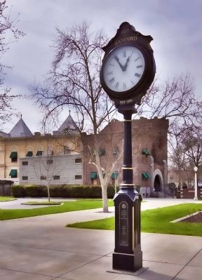 Town Clock, Hanford CA image. Click for full size.