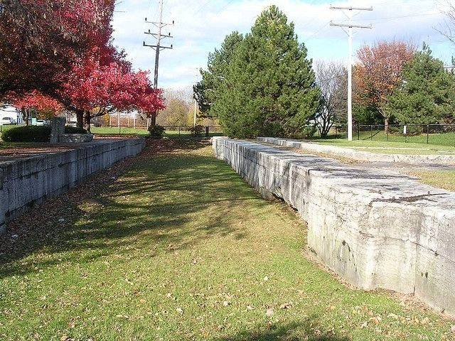 Remains of the West Troy Weighlock in the Maplewood Historic Park image. Click for full size.