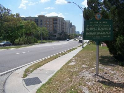 Yellow Bluffs Marker, looking south along North Tamiami Trail (U.S. 41) image. Click for full size.