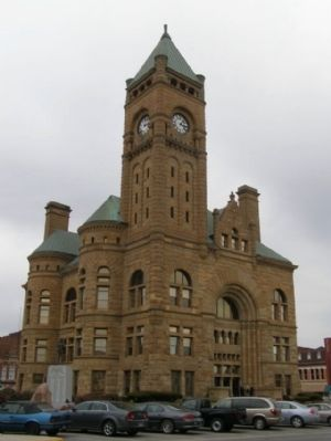 Blackford County Courthouse - Clocktower image. Click for full size.