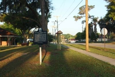 Zephyrhills Railroad Depot Marker, looking west image. Click for full size.