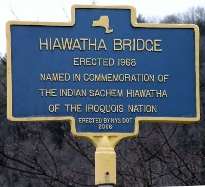 Hiawatha Bridge Marker image. Click for full size.