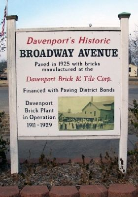 Davenport's Historic Broadway Avenue Marker image. Click for full size.