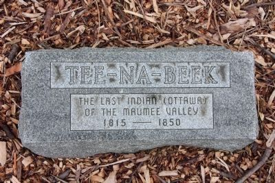 Gravestone of Tee-Na-Beek image. Click for full size.