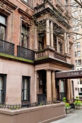 23 Park Avenue image. Click for full size.