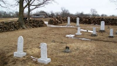Moses Carver Family Cemetery image. Click for full size.