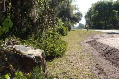 Ft. Armstrong Marker, seen looking eastward along County Road 476 image. Click for full size.