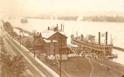 The Davis Island Dam during an 1890's river pageant image. Click for full size.