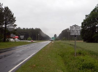 Wide view of the North Carolina / South Carolina Marker image. Click for full size.
