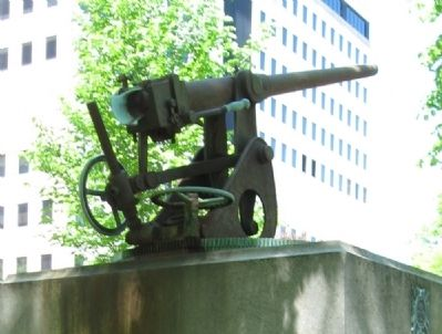 The Gun on the Memorial image. Click for full size.