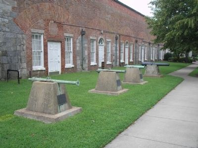 Guns at Fortress Monroe image. Click for full size.