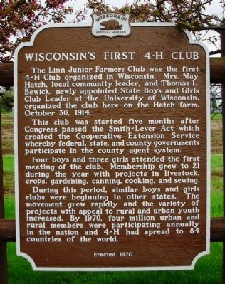 Wisconsin's First 4-H Club Marker image. Click for full size.